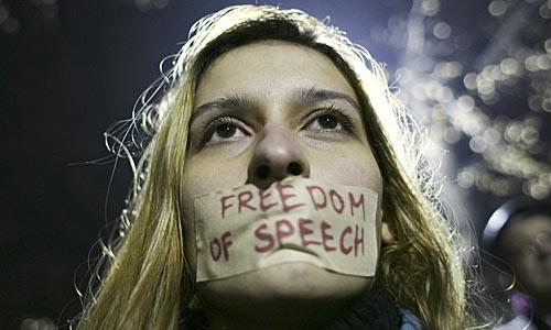 SVP tritt unsere Grund- und Menschenrechte mit Füssen
